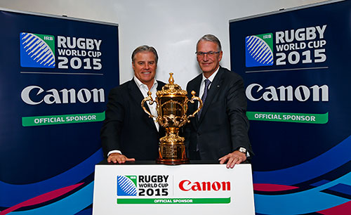 Sponsorship Signing Ceremony, December 1, 2014 (Left: Brett Gosper, CEO, World Rugby, Managing Director, Rugby World Cup Limited; Right: Rokus van Iperen, President & CEO, Canon Europe, Middle East & Africa) © Eddie Keogh, Canon Explorer