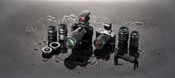 em5-black-and-silver-dustproof-splashproof-600