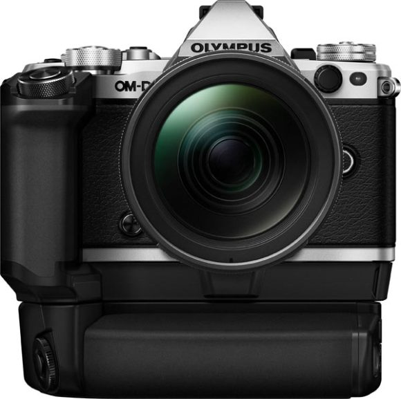 Olympus OM-D E-M5 Mark II, silver, with HLD-8 Combination (HLD-8G + HLD-6P Grip)