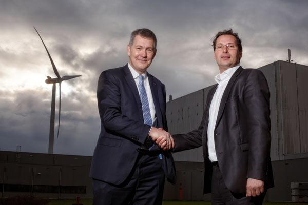 Peter Struik (Fujifilm) and Marc van der Linden (Eneco Group): Image Courtesy of Fujifilm