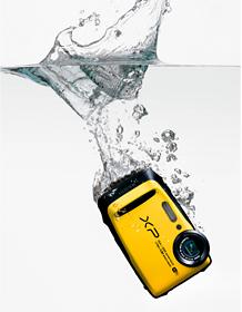 FinePix XP90, yellow: Waterproof