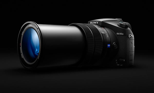 Sony Cyber-shot RX10 III with lens extended to 600mm