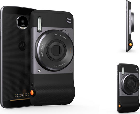 'Hasselblad True Zoom' Moto Mod™ to be snapped onto Moto Z Smartphone (left), 'Hasselblad True Zoom' Moto Mod is attached to Moto Z (right)