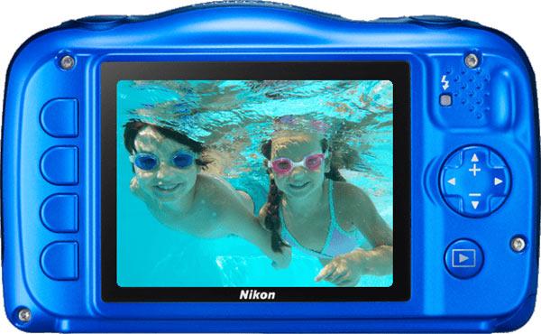 Nikon COOLPIX S33, back view