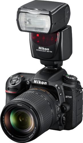 Nikon D7500 with Speedlght SB-700