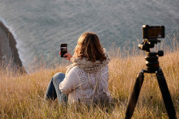 Leica FOTOS App: Remotely control the camera: Image Courtesy of Leica