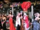simon_cabaret_Take a photo with ladyboy4_R