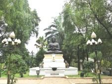 ワット・ムアン・コマラパット / ( Wat Muang Komaraphat )