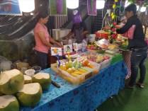 パトンビーチのナイトマーケット ( セントラル・パトン脇 )