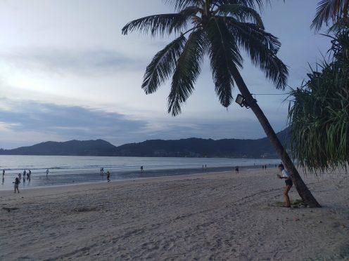 2020年06月10日のプーケット島・パトンビーチ・18:30頃の風景
