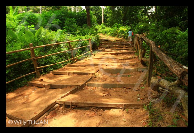 stairs-to-laem-singh