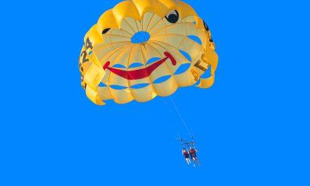 Heißer Fallschirmspringer