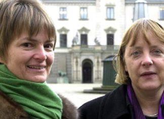 Damals noch ein Herz und eine Seele: Merkel zu Besuch bei der Fürstin im März 2001 auf Schloss St. Emmeram in Regensburg.