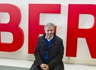 """Außer Sprüche klopfen brachte Berlins früherer Bürgermeister Klaus Wowereit (SPD) nicht viel zustande. Auch das Milliarden-Grab BER geht auf sein Konto, wie jetzt der """"Spiegel"""" aufdeckt."""