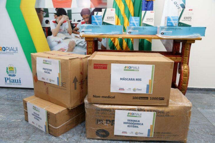 WhatsApp Image 2021 01 15 at 12.25.18 Piauí inicia distribuição de insumos para vacinação contra a Covid em municípios
