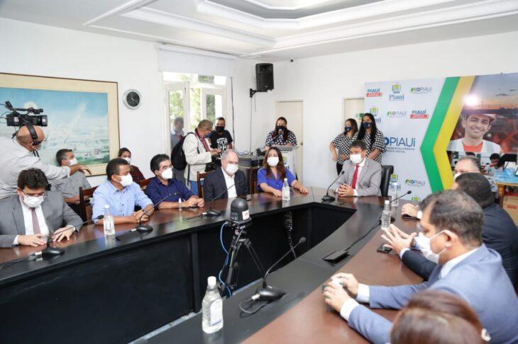WhatsApp Image 2021 01 15 at 12.25.33 1 Piauí inicia distribuição de insumos para vacinação contra a Covid em municípios