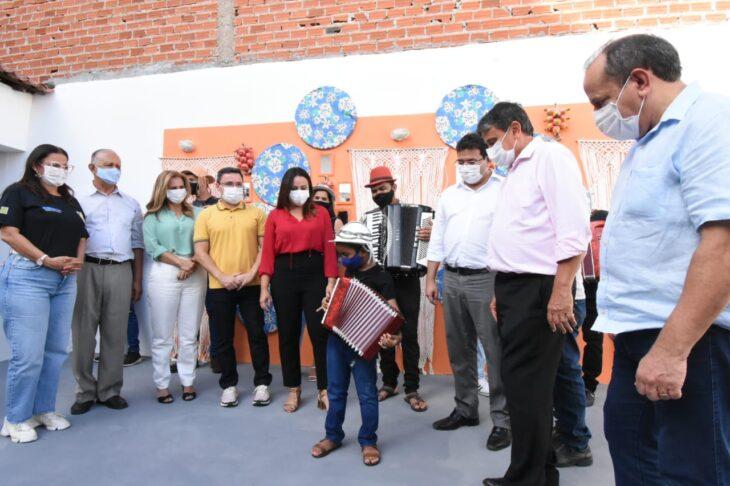 agenda em SRN cultura 8 Governador entrega títulos de posse a famílias de São Raimundo Nonato