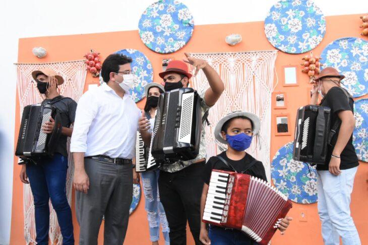 agenda em SRN cultura 9 Governador entrega títulos de posse a famílias de São Raimundo Nonato