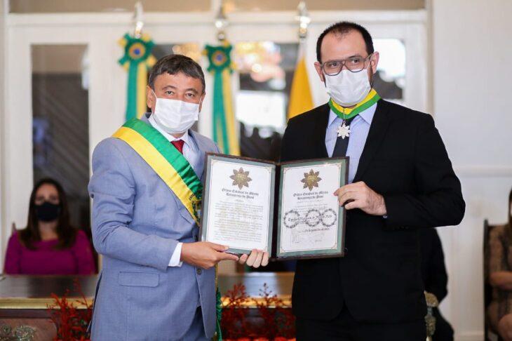 entrega de medalhas 15 Governador entrega medalhas por ocasião do 198º aniversário da adesão do Piauí à Independência