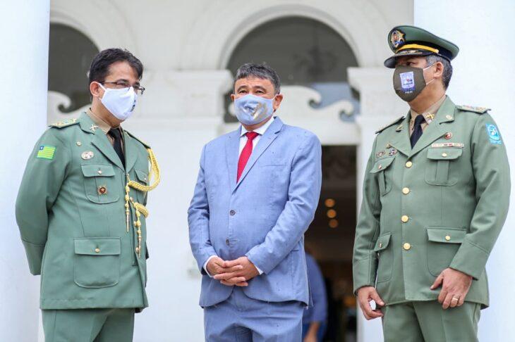 hateamento bandeira 2 Governador entrega medalhas por ocasião do 198º aniversário da adesão do Piauí à Independência