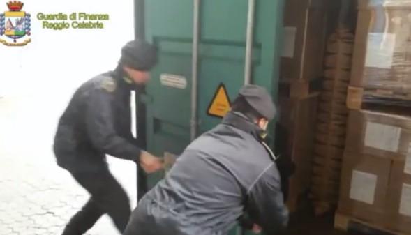Porto di Gioia Tauro, sequestrati 390 kg di cocaina purissima(VIDEO)