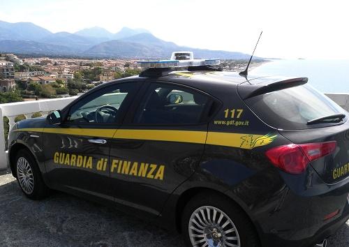 Reggio, operazione money gate 8 persone fermate per associazione a delinquere