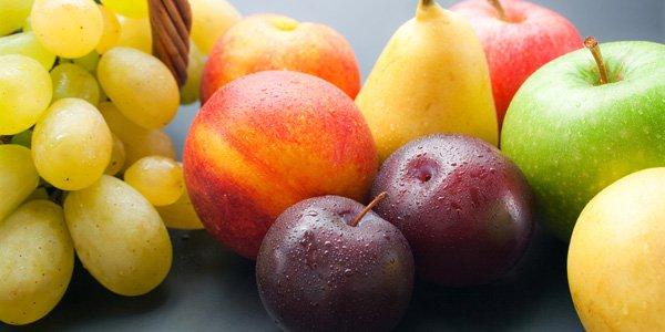 Se mangi frutta a fine pasto, ti conviene leggere questo. Ecco cosa succede al nostro organismo