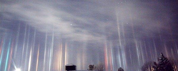 light-pillars-night-sky-ontario-timothy-joseph-elzinga-coverimage
