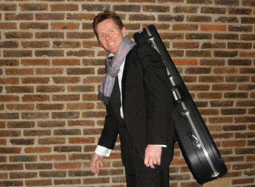 Robert Bekkers on the way to a gig, photo credit: Peter Lie