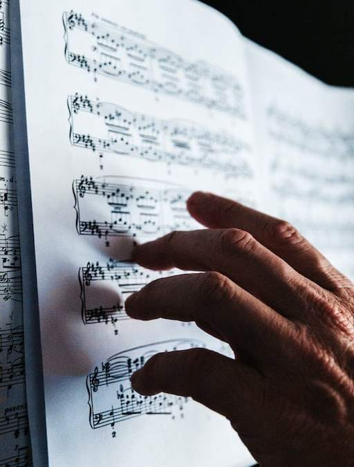 Musical Phrases and Their Initial Approach
