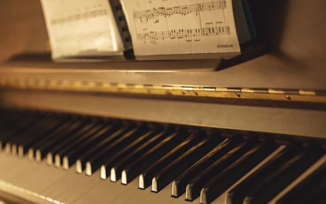 piano-933554_640