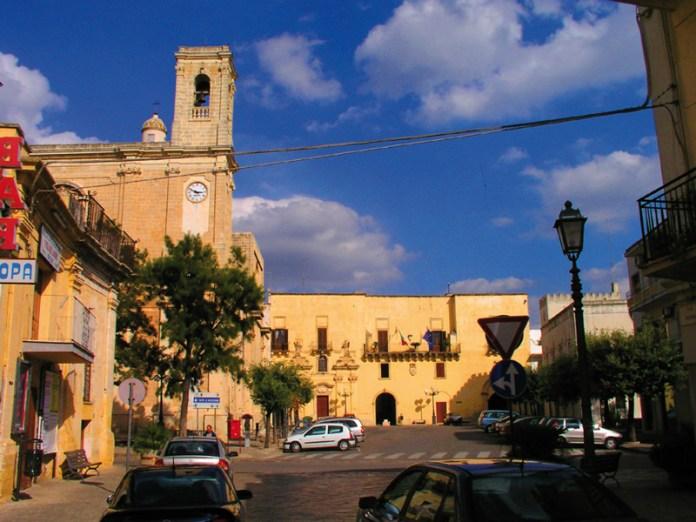 Piazza Castello con il Municipio