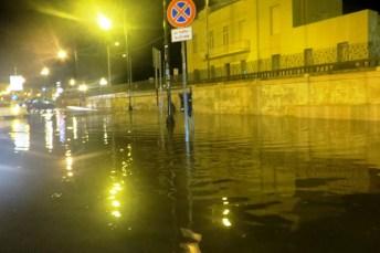 Canale allagato su corso Roma - foto di Rita de Bernart