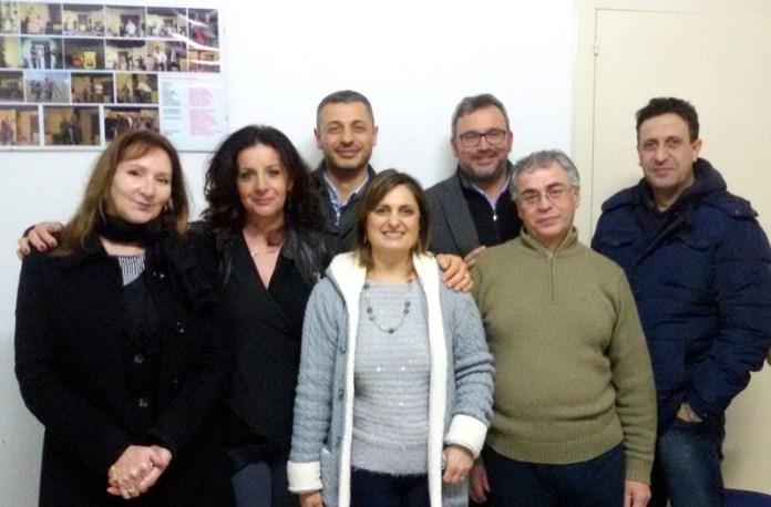 Da sinistra  in prima fila: Loretta  Del Tufo, Antonella  Pizzileo, Soave Napoli,  Antonio Gaetani; in seconda fila da sinistra: Claudio Napoli, Gianvito Esposito,  Valentino Pacella