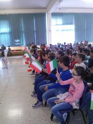 """Gli alunni nella sala del plesso """"Giuseppe Susanna"""""""