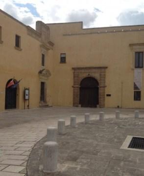 l'ingresso del palazzo ducale