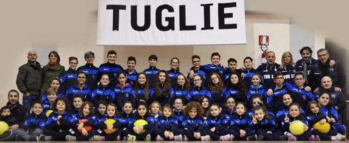 Antonella Zugari e Oliviero Calò (in alto a sinistra) tra i giovani