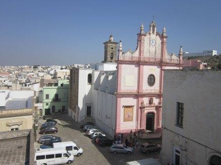 """La piazza dedicata al Santo Patrono: per il 150° anniversario del """"miracolo"""" verrà risistemata l'area nord."""