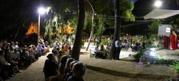La messa all'aperto nella pineta