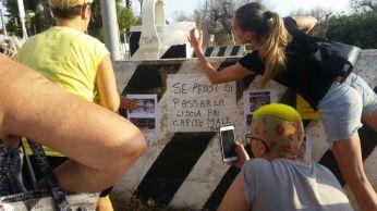 Cani uccisi a Gallipoli - Il ricordo dei volontari (1)