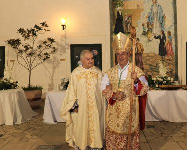 Don Antonio Schito e Monsignor Angelo De Donatis (foto Peirò)