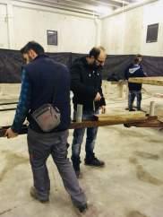 La preparazione dei carri, a destra Damiano Mascello