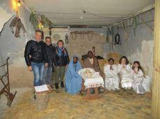 Sacra Famiglia con accanto i tre organizzatori Barritta, Tramacere e Miglietta