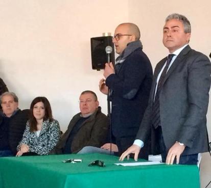 A destra il sindaco Piccione