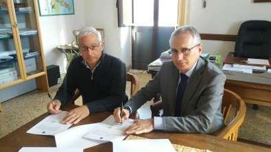 Accordo Comune di Castrignano del Capo - Demanio: a sinistra il sindaco Santo Papa