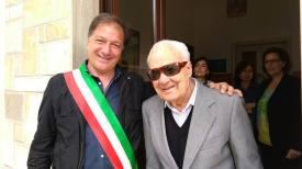Il sindaco Luigi Arcuti e Pippi Manta
