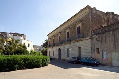 Palazzo Comi a Lucugnano