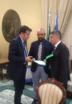 Il ministro con Roy De Santis e Andrea Barone