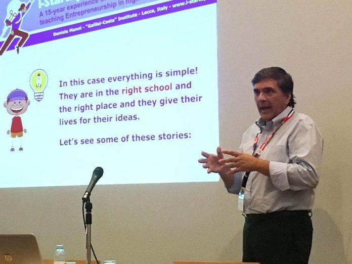 Il prof. Manni presenta il suo lavoro in Portogallo