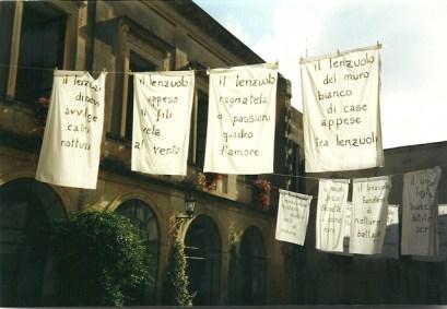 La mostra di poesia visiva di Stasi a Maglie, nel 2000